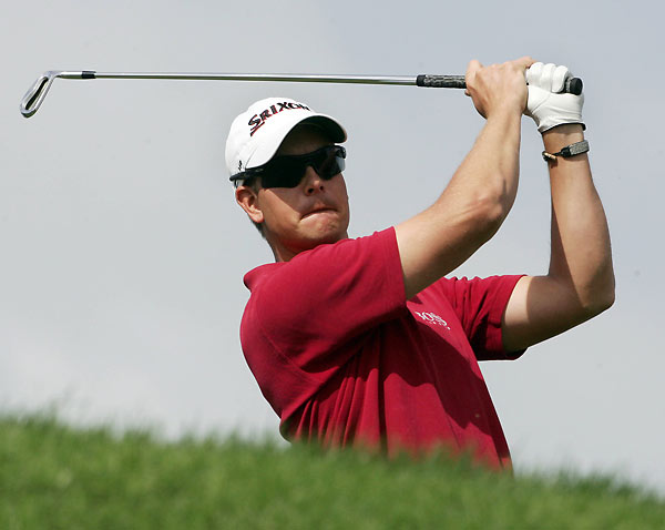 Defending champion Henrik Stenson finished one behind Els after a four-under 68.