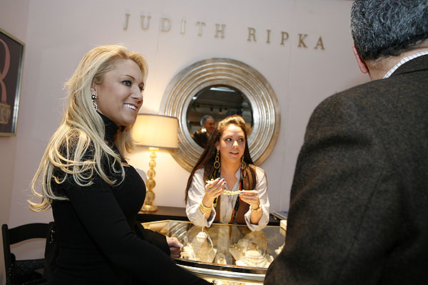 Gulbis stopped by the Judith Ripka boutique in Bryant Park to try on some jewelry.