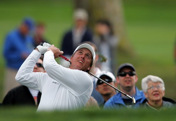 Phil Mickelson continued to struggle, shooting a 1-over 73.