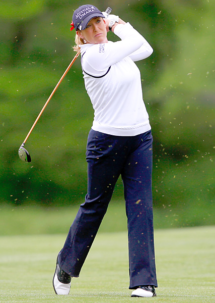 Cristie Kerr beat Amanda Blumenherst 3 and 2.