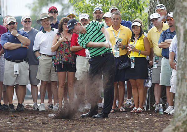 Webb Simpson began his final round with a double bogey.