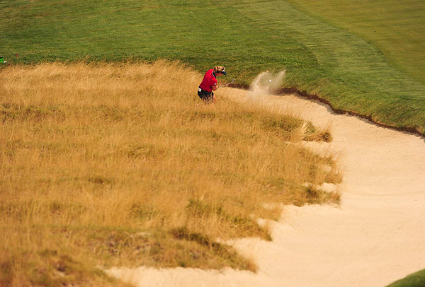 was one of many players who tangled with the treacherous bunkers at Oakmont. She shot a opening two-over 73.