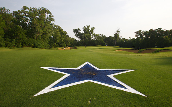The fairway of the par-4 fourth hole resembles midfield at Texas Stadium.
