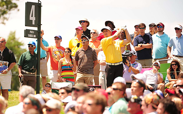 David Toms surged into the lead on the front nine and kept it for most of the afternoon.