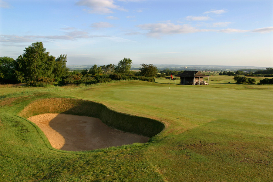 An all-star cast of golf legends -- including Harry Vardon, Harry Colt and Alister MacKenzie -- have left their imprint on this layout located in northeast England. The course is one of only two English layouts to host both a Ryder Cup (1949) and the Curtis Cup (2000).