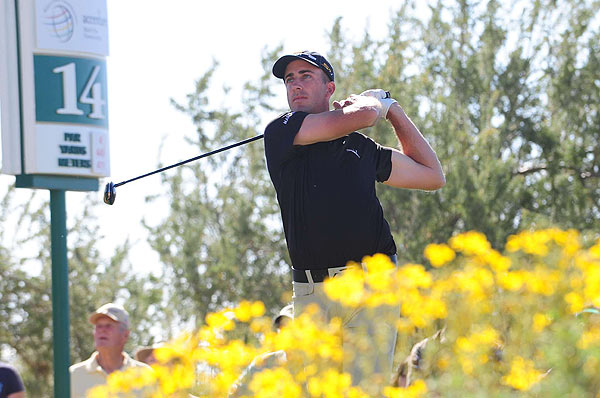 Ogilvy made six birdies during the morning match to go 3 up over Casey.