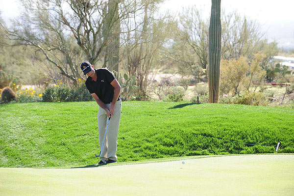 Ogilvy led for the entire 33-hole round.