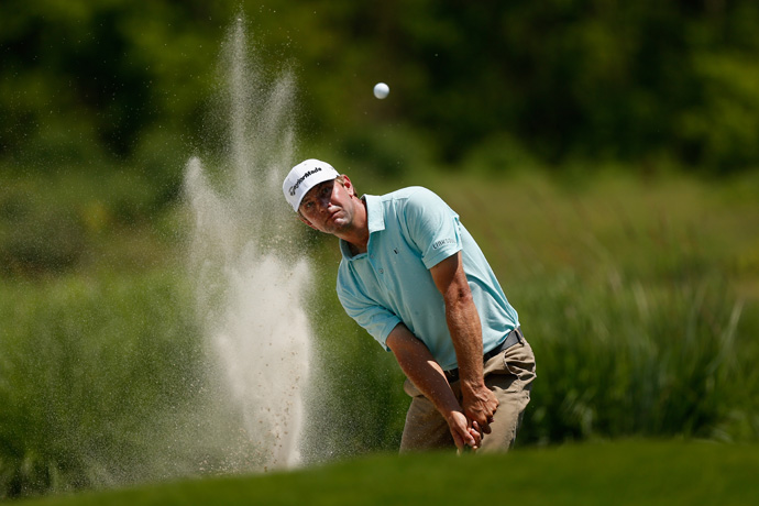 Lucas Glover birdied the par-5 18th to grab a two-shot lead heading into the final round.