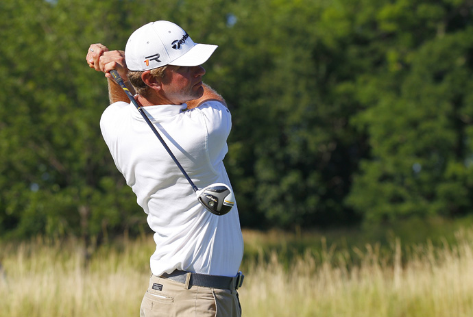 Lucas Glover fired a bogey-free 62 to move into a tie for the lead.