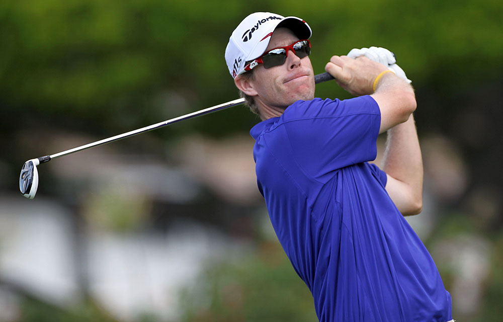 David Hearn shot a second-straight 66 to move into a tie for second.