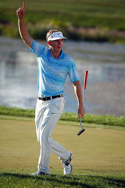 Rookie Russell Henley birdied 18 tie Langley at the top of the leaderboard.