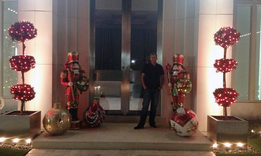 Ian Poulter returned from Tiger's World Challenge to find his Florida estate decorated for the holidays.