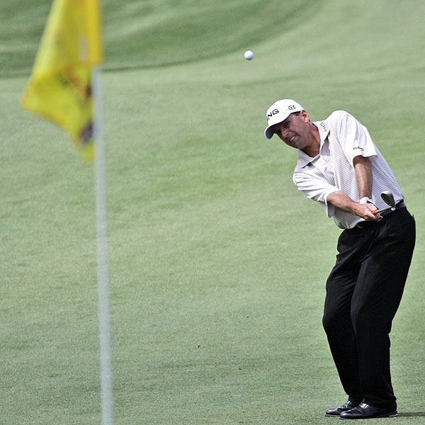 Kevin Sutherland, who didn't made the cut at his last two events, is tied for the lead at 6-under par.