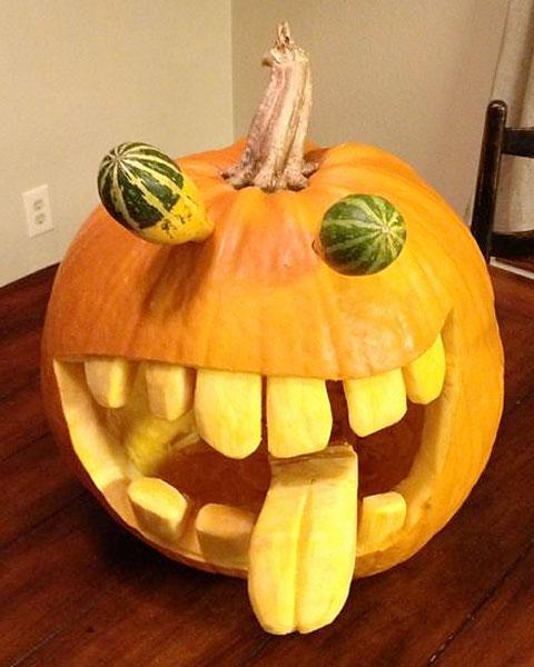 Hunter Haas: @Hunterhaas: Yes @SISPROMOS I carved it. Kids help clean out the seeds.