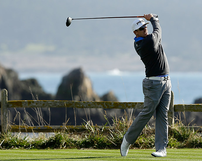 Huter Mahan shot a six-under 66 at Pebble Beach to tie Russell Knox for the lead.