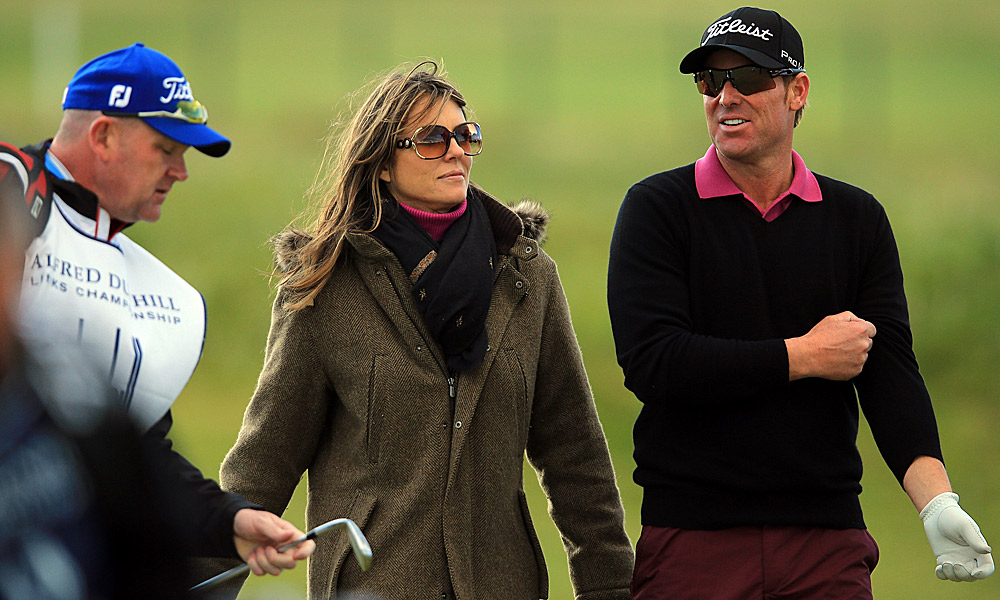 Actress Elizabeth Hurley was spotted following fiancee and Australian cricketer Shane Warne on the course.