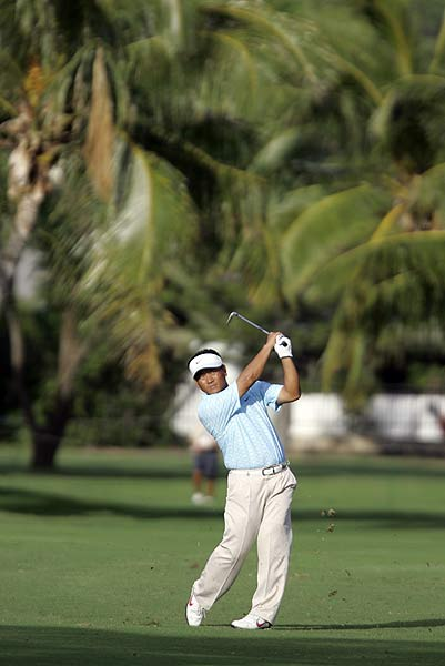 First Round of the Sony Open                       K.J. Choi's bogey-free 64 put him in first place after the opening round.