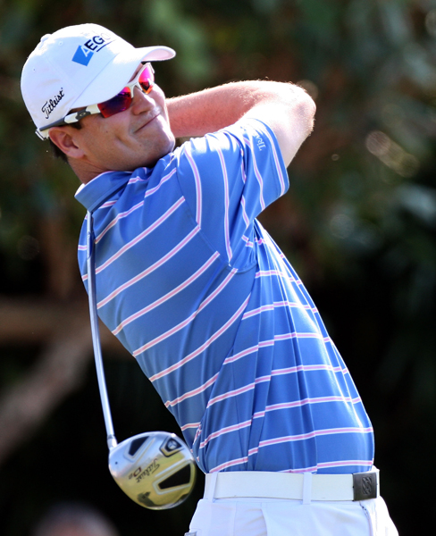 Zach Johnson made seven birdies and an eagle for a 9-under 64.
