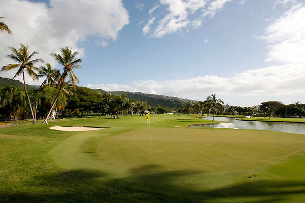 The 422-yard par-4 third hole at Waialae Country Club.