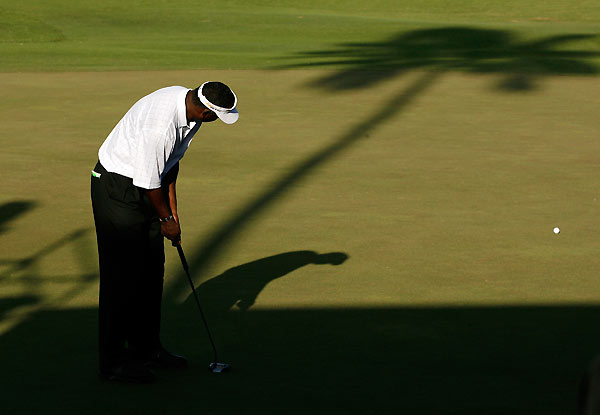 Vijay Singh had an up-and-down 68 with six birdies and four bogeys.