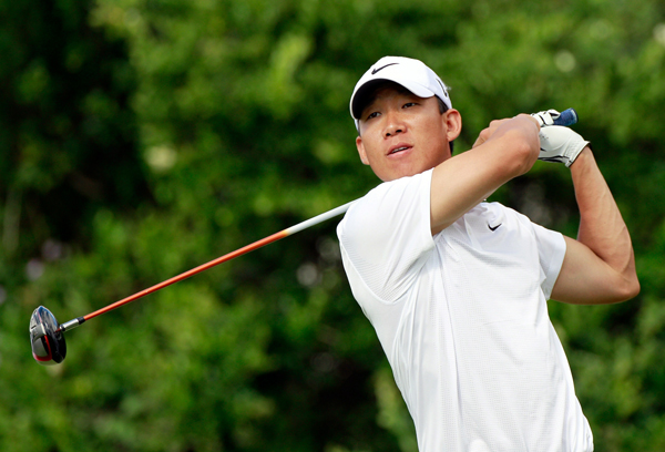 Anthony Kim moved into contention with a bogey-free 64.