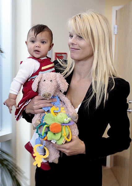 Seven-month-old Sam Alexis was on hand with her mother, Elin, at the unveiling of a statue of Tiger and Earl Woods at the Tiger Woods Learning Center in January of 2008.