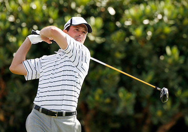 Round 2 of the Mercedes-Benz Championship                           Mike Weir made a birdie on 18 to grab a one-shot lead at Kapalua.