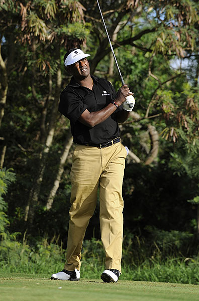 Vijay Singh, who is having knee surgery after this tournament, started his round with a double bogey on the par-4 first hole.