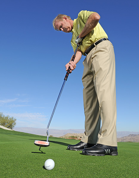 How to Use a Long Putter                           This tall, cool customer can also cure the yips                           By Peter Krause                           Top 100 Teacher                                                      This story is for you if...                                                      • You have the yips.                                                      • You've always wanted to try a long putter...                                                      • ...but have no idea how to use one.