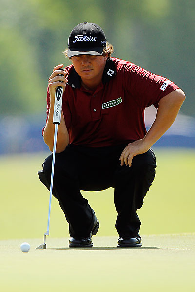 Jason Dufner made five birdies and an eagle to grab a one-shot lead heading into the weekend.