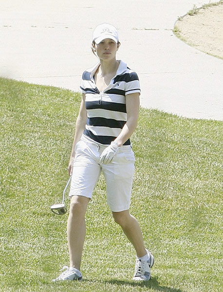 "The ""A-Team"" and ""Illusionist"" actress learned the game to play with golf-fanatic boyfriend Justin Timberlake. Biel should get plenty of chances to work on her short game  because Timberlake has a five-hole practice green at his Los Angeles home.Jessica Biel:                           The A-Team actress learned the game to play with golf-fanatic husband Justin Timberlake. Biel should get plenty of chances to work on her short game because she and Timberlake have a five-hole practice green at their Los Angeles home."