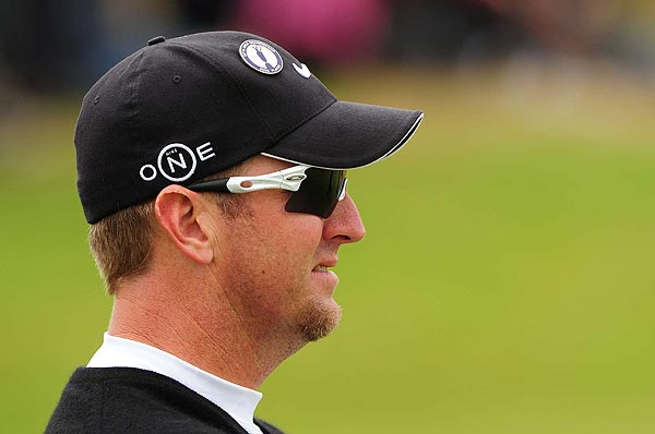David Duval, who birdied his first hole of the day, moved into contention on Friday.
