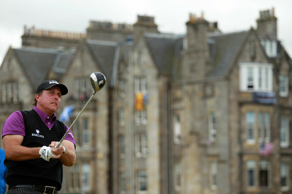 continued his poor play at the British Open, finishing tied for 48th.