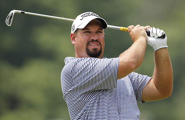 Brendon de Jonge started the day tied for the lead but shot a two-over 72.