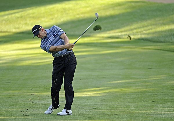 First Round of the WGC-Bridgestone Invitational                       Retief Goosen has the early lead after shooting a 4-under 66.