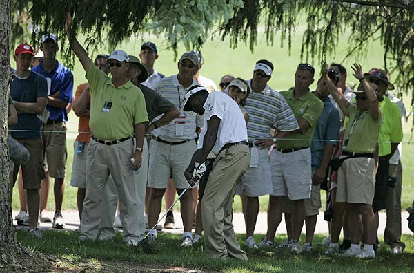 Vijay Singh, who double-bogeyed the par-4 18th hole, is at three under par.