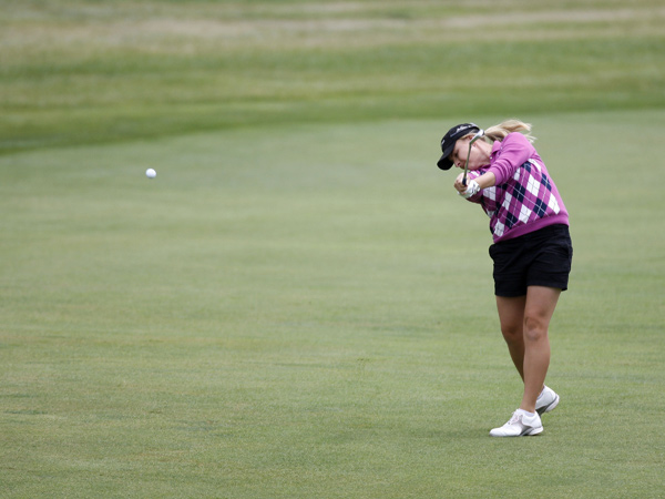 Sarah Kemp made six birdies on the front nine on her way to a 63 and a share of the lead.