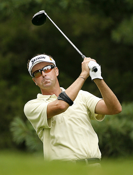 Three early bogeys kept Robert Allenby out of contention. He finished at nine under par.