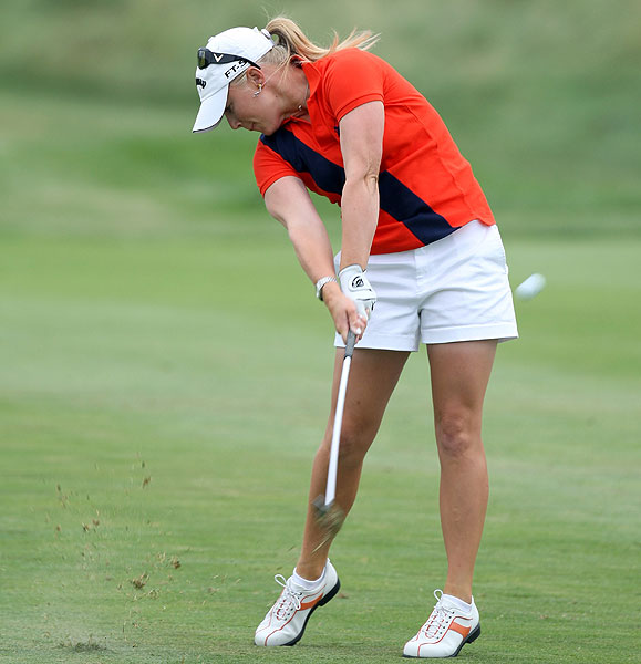 After back-to-back bogeys on Nos. 4 and 5, Morgan Pressel fell out of contention. She finished 8 strokes off the lead.