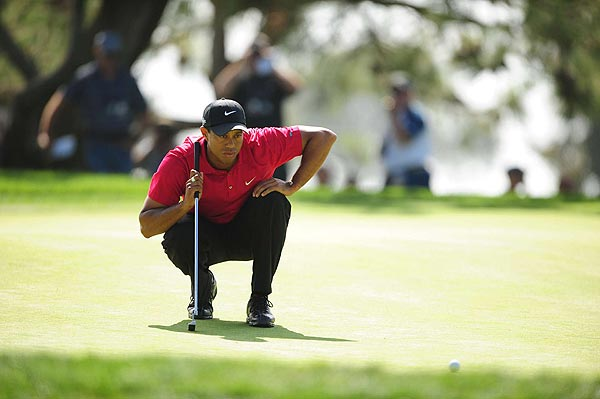 Woods started to turn things around on the ninth hole hole. He had an eagle opportunity but two-putted for the birdie.