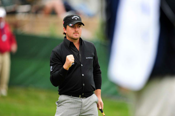 leads Mickelson, Ernie Els, Dustin Johnson and Ryo Ishikawa by two shots.