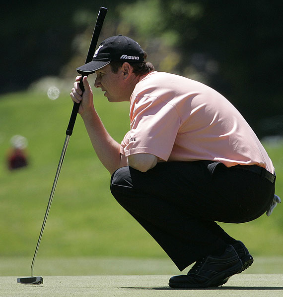 Defending champion and Connecticut native J.J. Henry finished at two under par.
