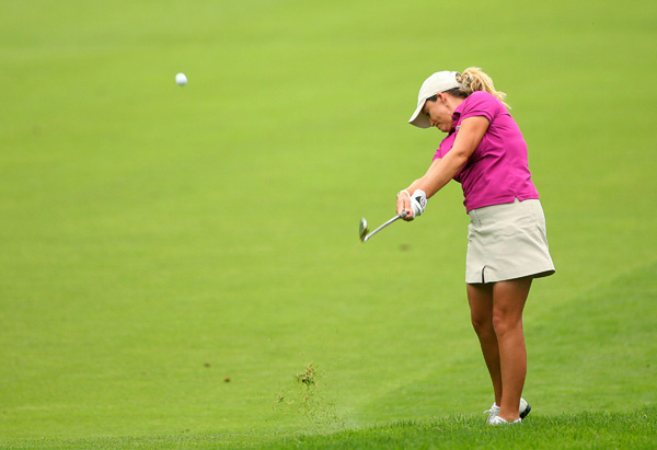 shot a 3-under 69 to extend her lead to a whopping eight shots.