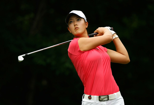 bogeyed two of her last three holes to shoot a 73.