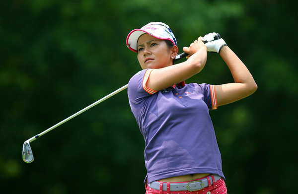 bogeyed 18 to drop into a tie for third with Jiyai Shin.