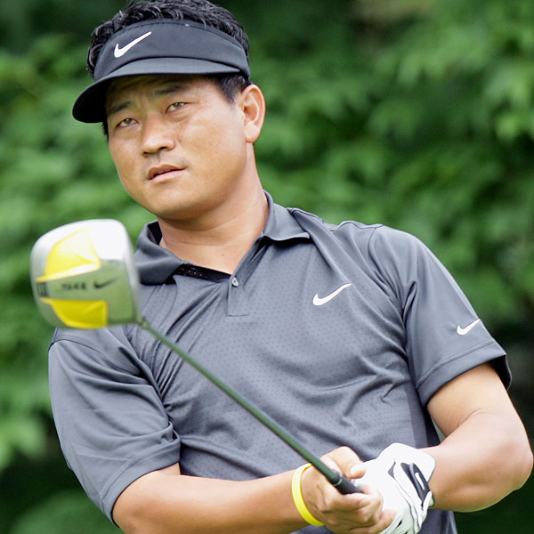 K.J. Choi birdied the 6th through the 9th to climb the leaderboard. He won the Memorial at 17 under par.