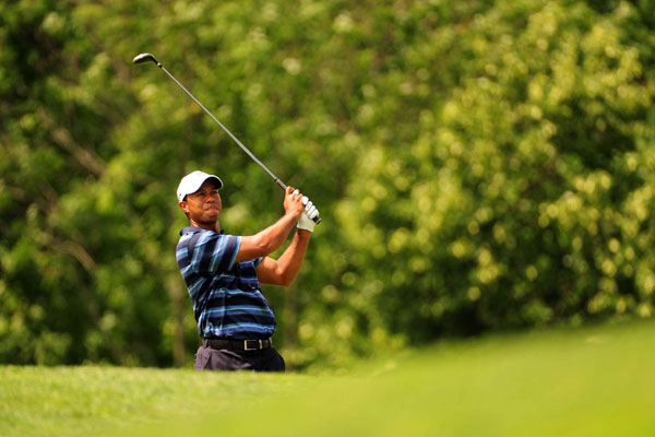 made birdies on Nos. 9 and 10 to get back to even par. Woods then made eight straight pars to shoot a 72.