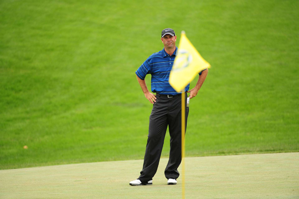 Stewart Cink dropped to 4-under par after finishing with three straight bogeys.