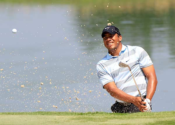 Jhonattan Vegas continued his recent streak of poor play with a three-over 73.