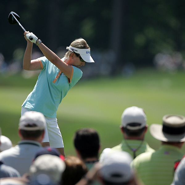 Karrie Webb, who has won seven majors, put herself into contention for No. 8. Webb is only two shots off the lead.